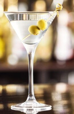 Dry Martini: conheça a receita desse misterioso drink