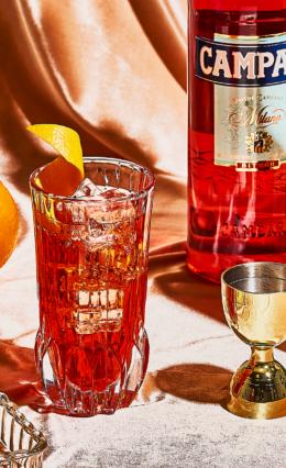 Campari: Tudo sobre a marca, modo de preparo e os principais drinks!