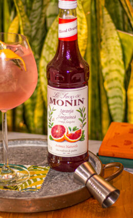Conheça a história da Indústria Monin e aprenda a fazer drinks deliciosos