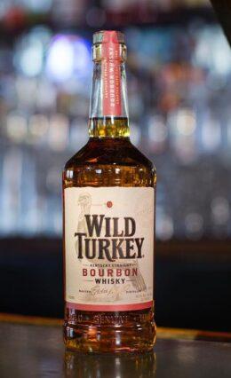 Whisky Bourbon Wild Turkey – História e Drinks