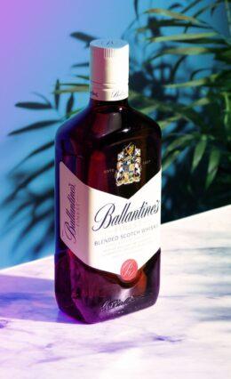 Whisky Ballantine's – História e Drinks